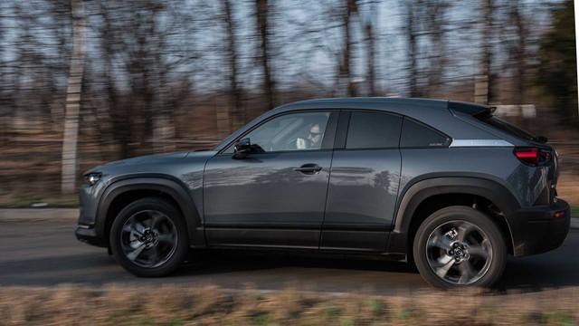 Động cơ xoay của Mazda tiếp tục trễ hẹn - Ảnh 2.