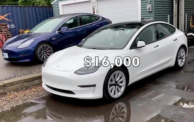 YouTuber sửa một chiếc Tesla mất 700 USD trong khi nhà sản xuất chém đẹp 16.000 USD  - Ảnh 1.