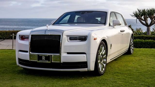Vợ chồng nhà người ta kỷ niệm ngày cưới bằng 2 chiếc Rolls-Royce hàng thửa siêu hiếm - Ảnh 3.