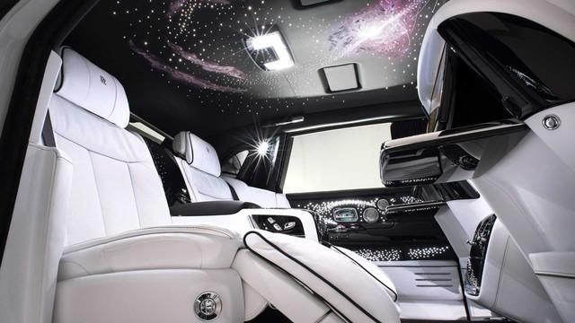 Vợ chồng nhà người ta kỷ niệm ngày cưới bằng 2 chiếc Rolls-Royce hàng thửa siêu hiếm - Ảnh 5.