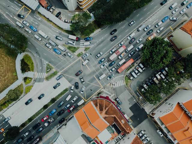 Phương pháp mới để lái xe trong phố an toàn: Không rẽ trái! - Ảnh 4.