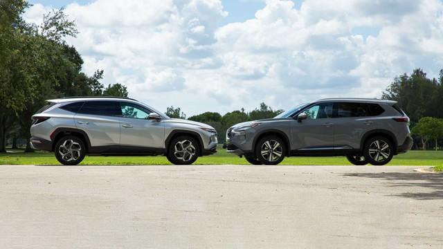 Hyundai Tucson 2021 vs Nissan X-Trail 2021: Cuộc đua gay cấn về tiện nghi và công nghệ giữa cặp đôi SUV Hàn, Nhật - Ảnh 1.