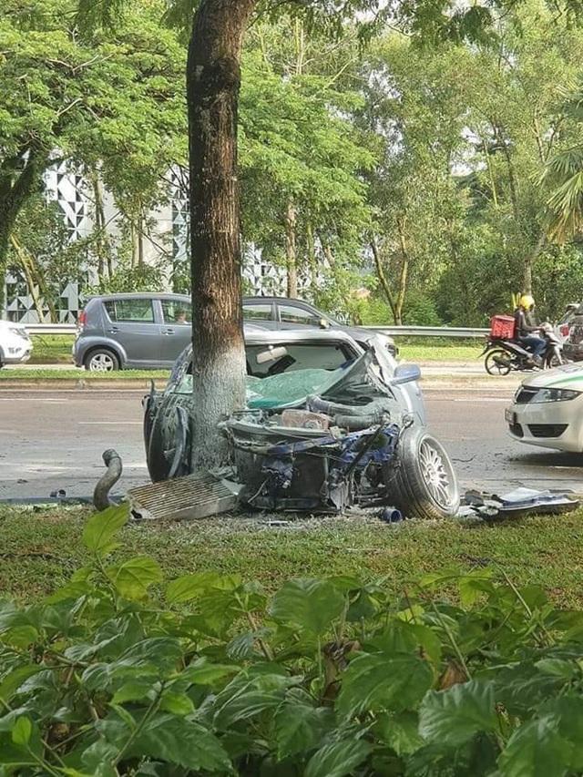 Vừa trả hết tiền mua ô tô, chủ xe háo hức chờ đợi giây phút được lái xế mới, nào ngờ vừa nhìn thấy đã khóc thét - Ảnh 2.