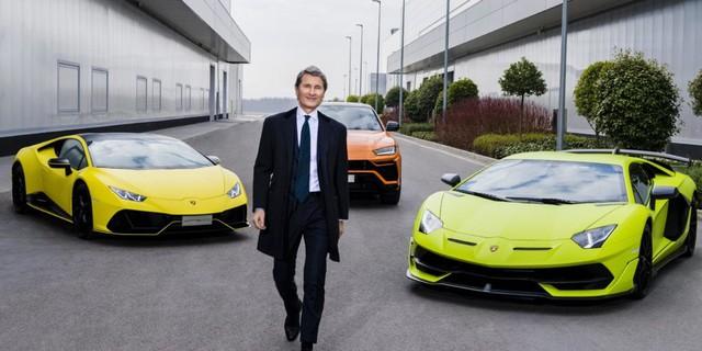 Bất chấp khó khăn mùa dịch, giới nhà giàu vẫn vung tiền mua siêu xe, xe siêu sang - Ảnh 1.