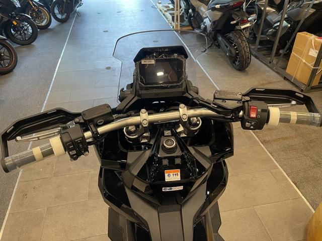 Honda X-ADV 2021 về Việt Nam: Xe tay ga nhưng có khả năng off-road, giá không dưới 400 triệu đồng - Ảnh 3.
