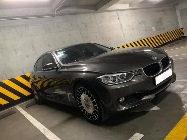 Bán BMW 3-Series giá 736 triệu, bimmer bị CĐM bắt trừ 10% giá xe vì độ mâm... Maybach - Ảnh 2.