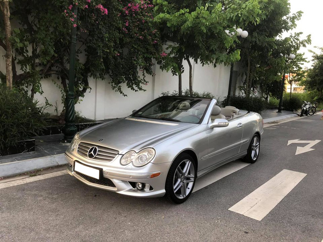 Vượt ngưỡng 100.000km, xe dân chơi Mercedes-Benz CLK mới nhất nhì Việt Nam có giá rẻ ngang Toyota Vios - Ảnh 1.