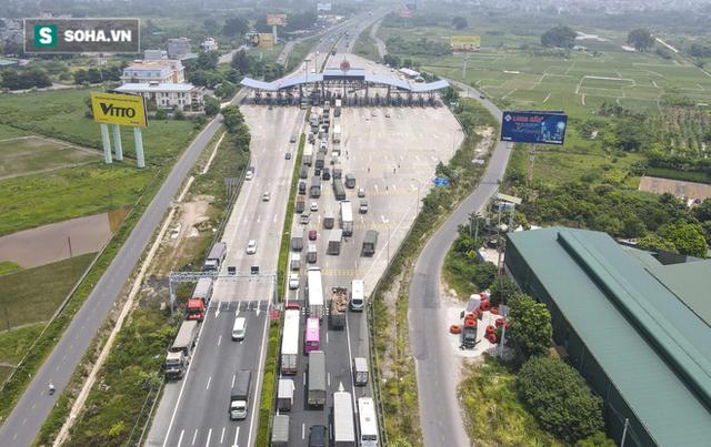 Kiểm soát 100% người và phương tiện vào Hà Nội, xe ùn tắc gần 3km tại trạm thu phí Pháp Vân - Cầu Giẽ - Ảnh 11.