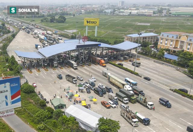 Kiểm soát 100% người và phương tiện vào Hà Nội, xe ùn tắc gần 3km tại trạm thu phí Pháp Vân - Cầu Giẽ - Ảnh 13.