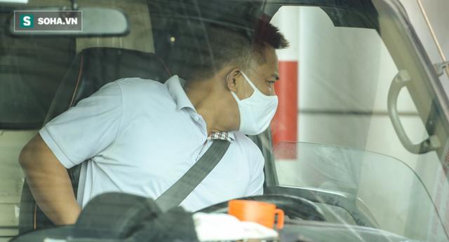 Kiểm soát 100% người và phương tiện vào Hà Nội, xe ùn tắc gần 3km tại trạm thu phí Pháp Vân - Cầu Giẽ - Ảnh 10.