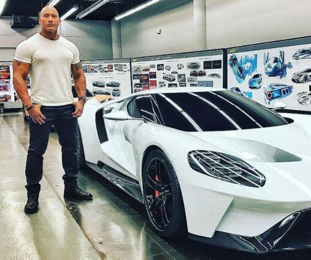10 người nổi tiếng thế giới sở hữu dàn xe thể thao siêu tốc độ - Ảnh 15.
