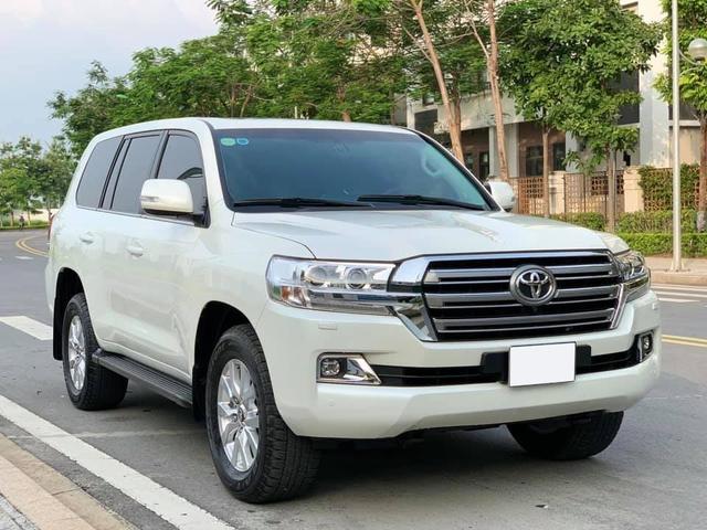 Xe ra mẫu mới, đại gia Việt bán luôn Toyota Land Cruiser vừa mua khi mới chạy 800km, nội thất chưa kịp bóc hết nilon - Ảnh 6.