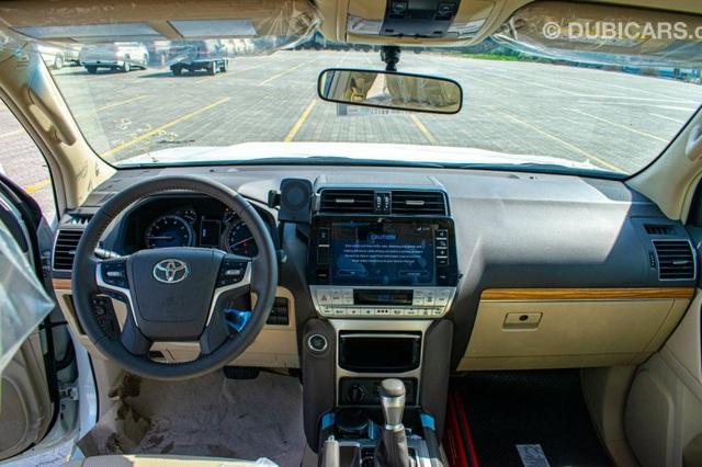 Toyota Land Cruiser Prado 2021 nhập Trung Đông chào hàng nhà giàu Việt với giá hơn 4 tỷ đồng: Động cơ khủng, nhiều đồ chơi - Ảnh 3.