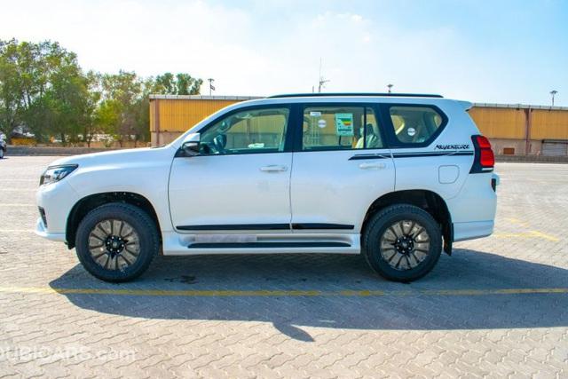 Toyota Land Cruiser Prado 2021 nhập Trung Đông chào hàng nhà giàu Việt với giá hơn 4 tỷ đồng: Động cơ khủng, nhiều đồ chơi - Ảnh 5.