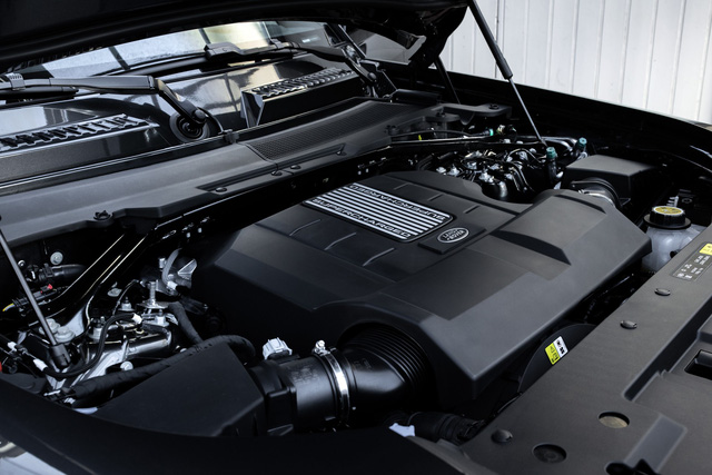 Land Rover Defender chuẩn bị có bản hiệu suất cao đấu Mercedes-AMG G 63 - Ảnh 2.