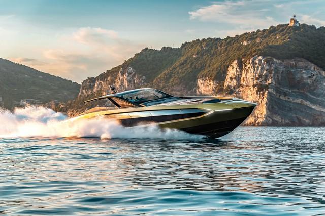 Tay đấm khét tiếng chi gần 100 tỷ mua siêu du thuyền như Lamborghini Sián
