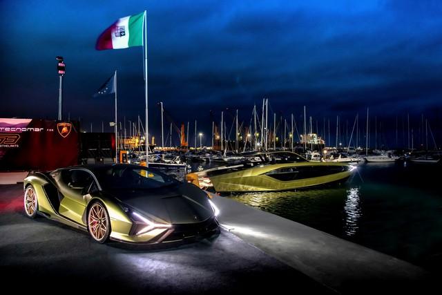 Sau thời gian dài chờ mòn mỏi, Conor McGregor sắp được nhận siêu du thuyền Lamborghini Tecnomar giá hơn 3,5 triệu USD - Ảnh 6.