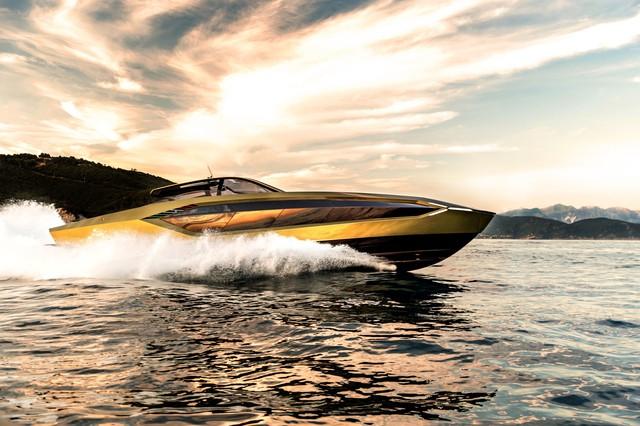 Sau thời gian dài chờ mòn mỏi, Conor McGregor sắp được nhận siêu du thuyền Lamborghini Tecnomar giá hơn 3,5 triệu USD - Ảnh 4.