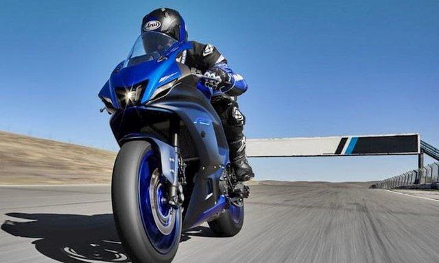 Lộ Yamaha R15 2021 trên phố: Sportbike phổ thông ngày càng đẹp, thiết kế hứa hẹn lai đàn anh R7 - Ảnh 2.