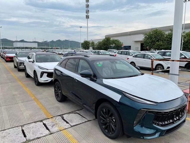 Lô xe Dongfeng T5 Evo đầu tiên lên đường về Việt Nam - Xe Trung Quốc giá 769 triệu đồng đấu Beijing X7 - Ảnh 6.