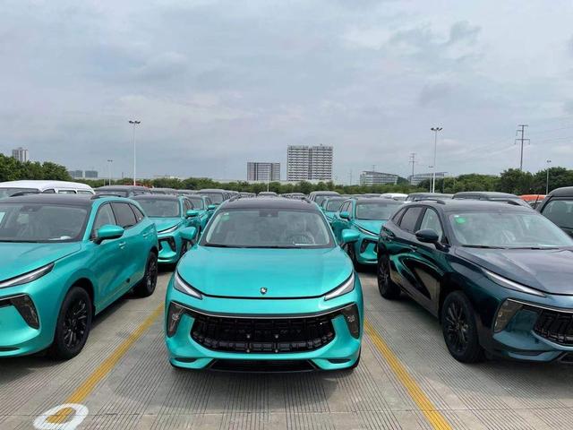 Lô xe Dongfeng T5 Evo đầu tiên lên đường về Việt Nam - Xe Trung Quốc giá 769 triệu đồng đấu Beijing X7 - Ảnh 2.