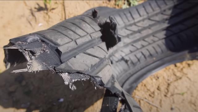 Cho bánh xe quay với tốc độ siêu thanh, YouTuber phá nát lốp xe siêu bền trong nháy mắt - Ảnh 6.