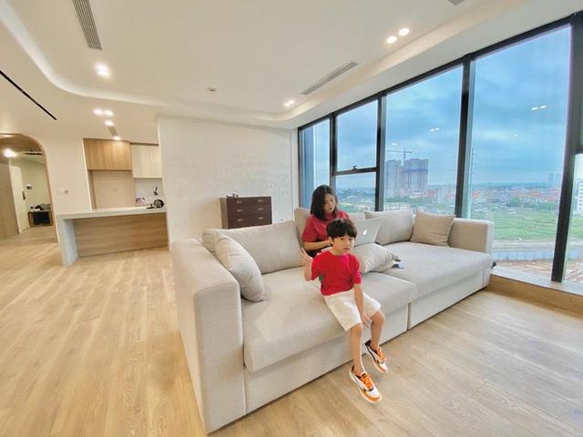 Sắm 2 xe sang + 2 căn chung cư trong chưa đầy 2 năm, vợ chồng Trang Lou - Tùng Sơn giàu cỡ nào? - Ảnh 9.