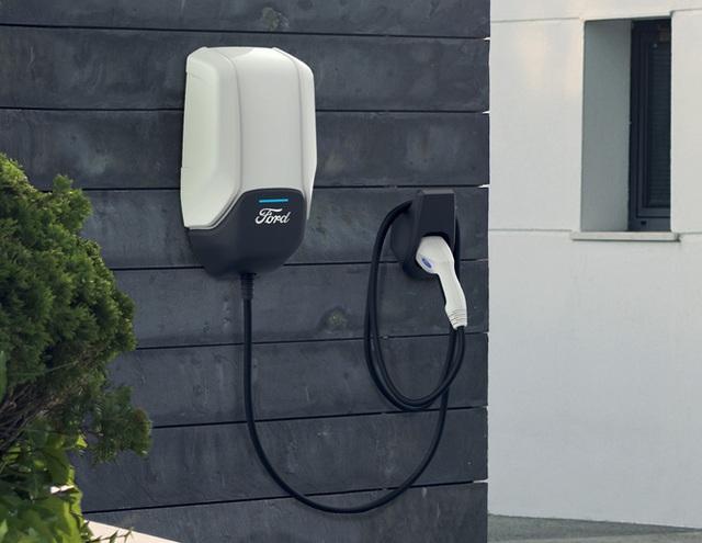 Trái tim năng lượng của xe điện: Bộ sạc của VinFast rất mềm, và đây là công thức tính tiền điện mỗi tháng - Ảnh 1.