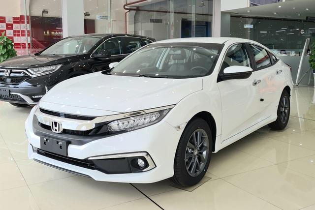 Honda Civic giảm giá sốc 150 triệu đồng tại đại lý, chạy đua với Toyota Corolla Altis trước khi đón mẫu mới về Việt Nam - Ảnh 2.