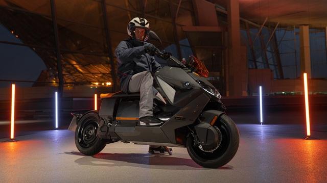 Ra mắt BMW CE 04 - Mô tô hạng sang, có tính năng như ô tô, giá quy đổi từ 270 triệu, có thể về Việt Nam