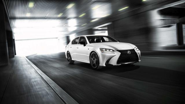 Lexus sắp sang hóa một dòng xe Toyota để đấu Mercedes E-Class và BMW 5-Series - Ảnh 1.