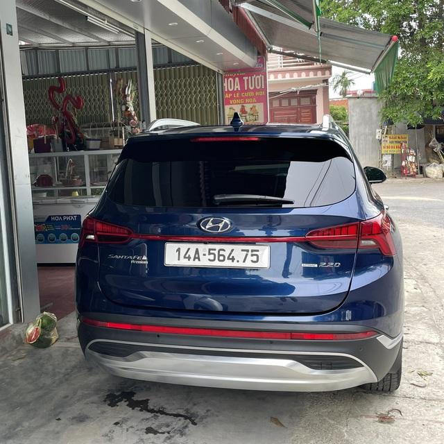 Chạy Mẹc S ở nước ngoài, về nước sắm Hyundai Santa Fe 2021, người dùng đánh giá: Chưa hoàn hảo nhưng đáng 1,5 tỷ bỏ ra - Ảnh 3.