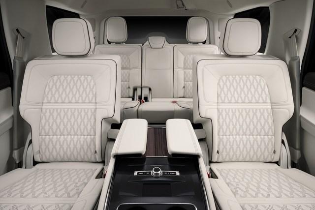 Lincoln Navigator 2022 nhá hàng trước ngày ra mắt, đáp trả Cadillac Escalade - Ảnh 5.