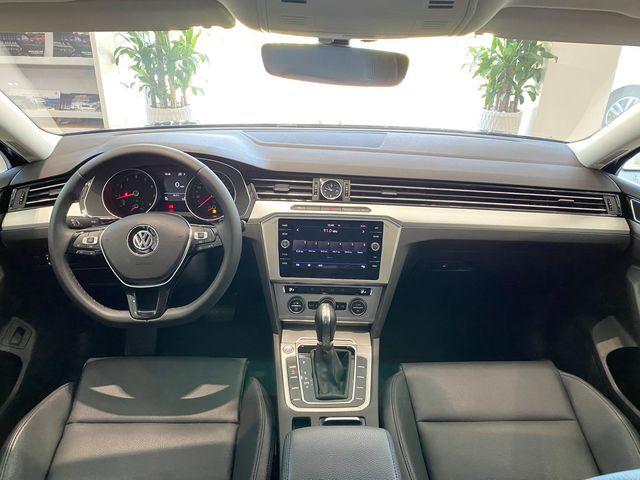 Volkswagen khuyến mại tất tay: Passat giảm 200 triệu còn ngang Camry, Tiguan Allspace dọn kho giảm 100 triệu cạnh tranh GLC - Ảnh 3.