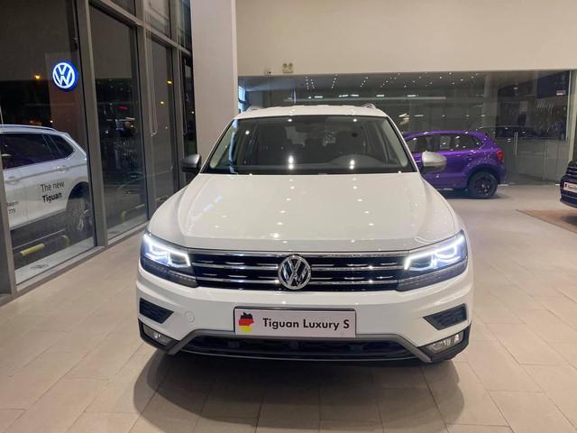 Volkswagen khuyến mại tất tay: Passat giảm 200 triệu còn ngang Camry, Tiguan Allspace dọn kho giảm 100 triệu cạnh tranh GLC - Ảnh 4.