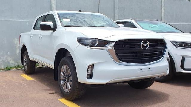 Đại lý tiết lộ trang bị 4 phiên bản Mazda BT-50 2021 sắp ra mắt: Nhiều cải tiến nhưng có một chi tiết quan trọng 'cải lùi' - Ảnh 1.