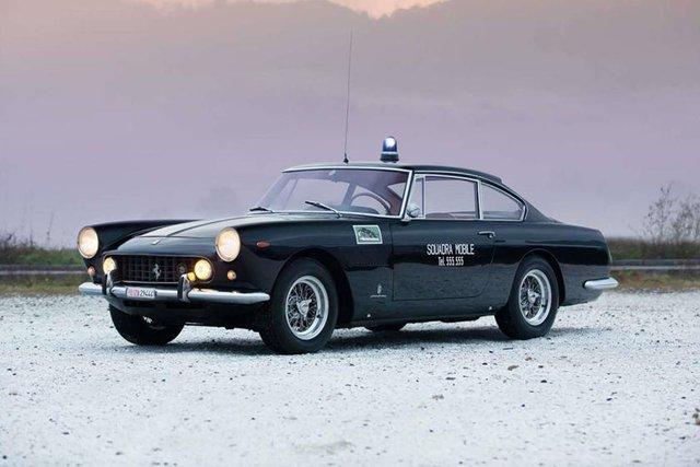 Cảnh sát thế giới dùng xe gì: Ưu tiên xe nội, không thì phải đỉnh cao, đắt khét như siêu xe - Ảnh 8.