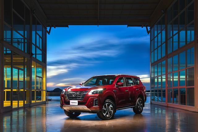 Ra mắt Nissan Terra 2021 tại Thái Lan: Giá quy đổi hơn 800 triệu đồng, tiện nghi như xe sang, chờ ngày về Việt Nam đấu Toyota Fortuner - Ảnh 1.