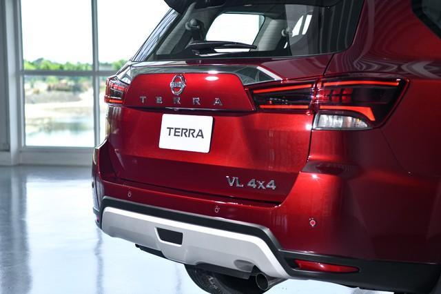 Ra mắt Nissan Terra 2021 tại Thái Lan: Giá quy đổi hơn 800 triệu đồng, tiện nghi như xe sang, chờ ngày về Việt Nam đấu Toyota Fortuner - Ảnh 4.