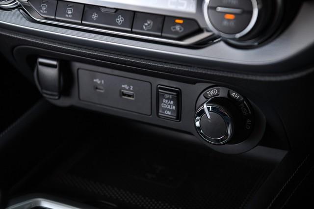 Ra mắt Nissan Terra 2021 tại Thái Lan: Giá quy đổi hơn 800 triệu đồng, tiện nghi như xe sang, chờ ngày về Việt Nam đấu Toyota Fortuner - Ảnh 9.
