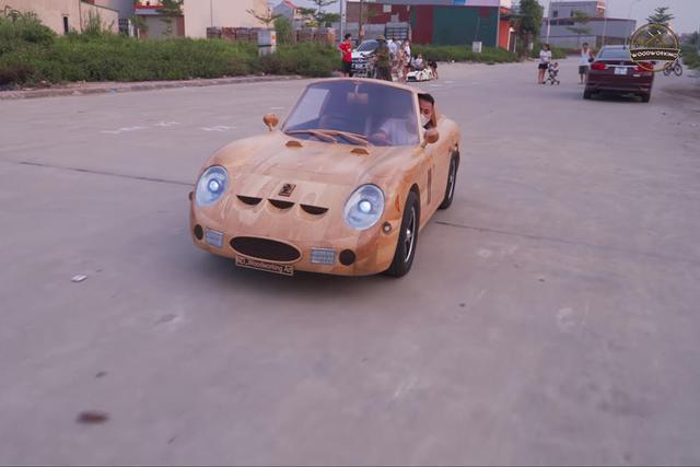 Thợ Việt đổi Ferrari 250 gỗ chế tác trong 70 ngày lấy Mercedes-Benz GLC - Ảnh 2.