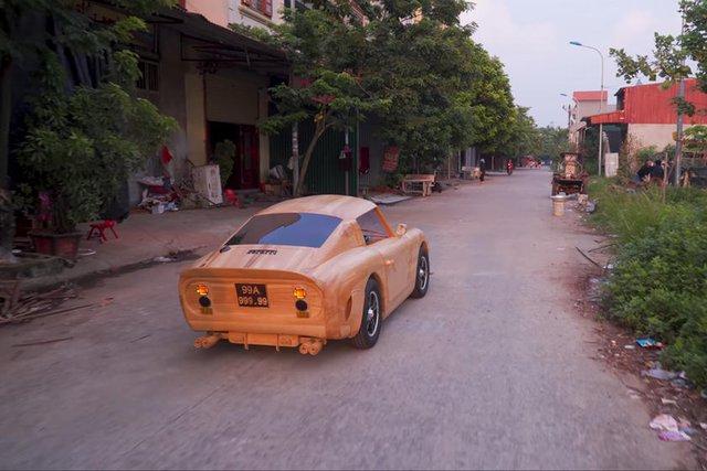 Thợ Việt đổi Ferrari 250 gỗ chế tác trong 70 ngày lấy Mercedes-Benz GLC - Ảnh 3.