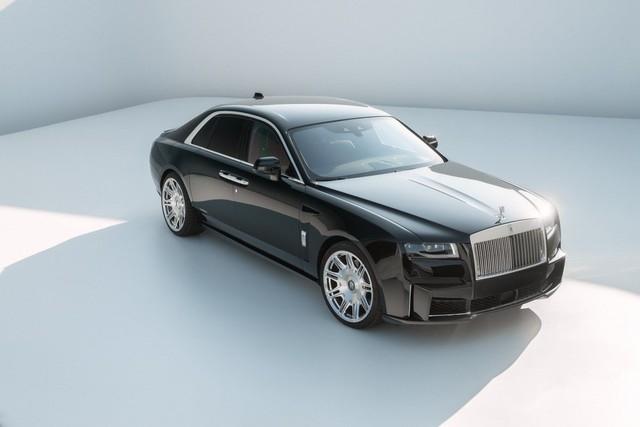 Rolls-Royce Ghost 2021 sắp ồ ạt đổ bộ Việt Nam và đây là bản độ đáng để các đại gia tham khảo - Ảnh 1.