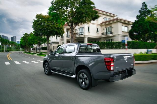 Ra mắt Mazda BT-50 2021 tại Việt Nam: Giá từ 659 triệu đồng, định hướng bán tải đi phố đấu Ford Ranger - Ảnh 5.