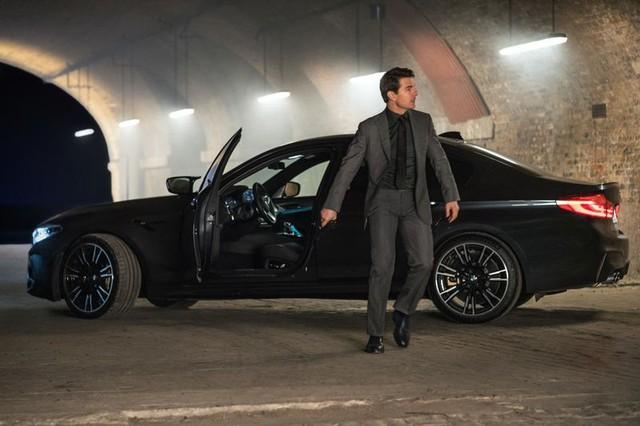 Đang quay phim, tài tử Tom Cruise bị trộm lấy mất BMW X7 nhưng nhận xe mới toanh chỉ trong vài phút - Ảnh 2.
