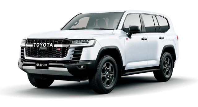 Chi tiết Toyota Land Cruiser 300 GR Sport: Giá quy đổi từ 1,6 tỷ, toàn trang bị chơi bời cho đại gia - Ảnh 1.