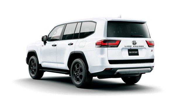 Chi tiết Toyota Land Cruiser 300 GR Sport: Giá quy đổi từ 1,6 tỷ, toàn trang bị chơi bời cho đại gia - Ảnh 2.