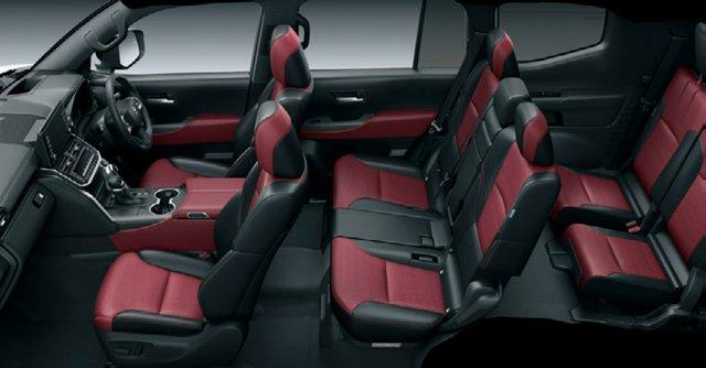 Chi tiết Toyota Land Cruiser 300 GR Sport: Giá quy đổi từ 1,6 tỷ, toàn trang bị chơi bời cho đại gia - Ảnh 6.