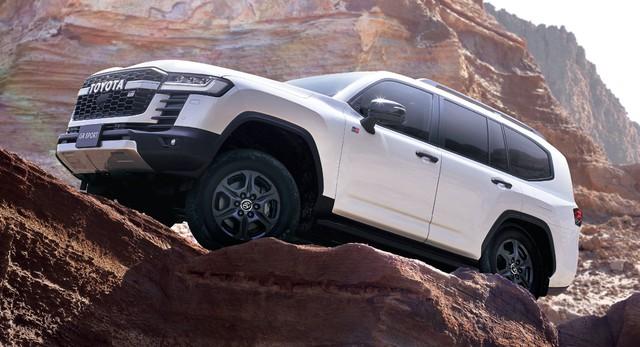 Chi tiết Toyota Land Cruiser 300 GR Sport: Giá quy đổi từ 1,6 tỷ, toàn trang bị chơi bời cho đại gia - Ảnh 7.