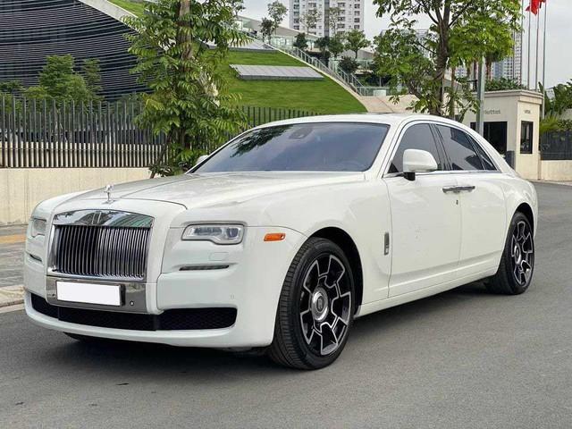 Rolls-Royce Ghost xuống giá, rẻ hơn cả Mercedes-Maybach vài tỷ đồng dù chỉ chạy 50.000km - Ảnh 1.
